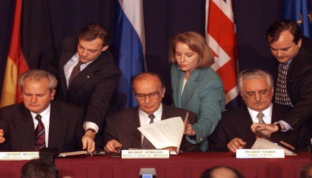 Underskrivelse af Dayton-aftalen