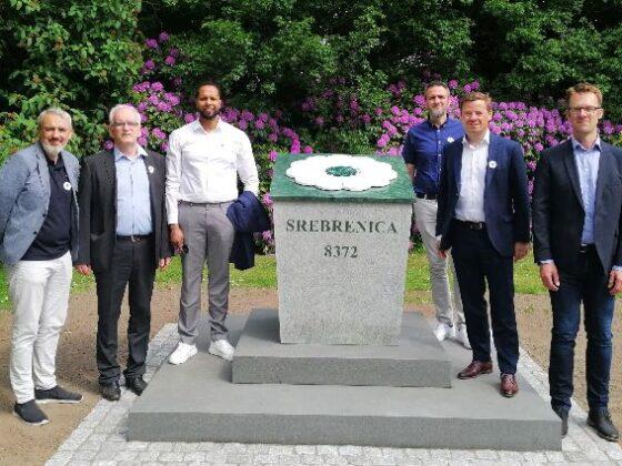 Afsløring af mindesten i Kildeparken